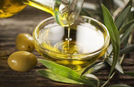 体を内側から温めるお味噌汁にオリーブオイル