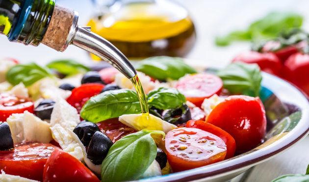 発酵食品の食べ過ぎによる小腸内細菌異常増殖症候群と女王のオイル